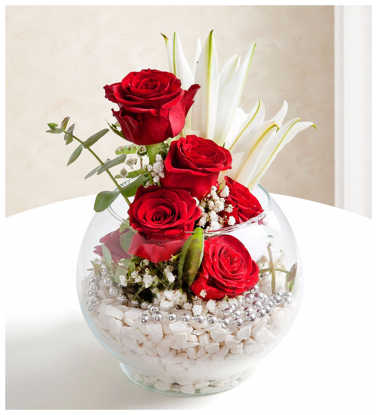 Rhythm of love red roses and lilies red roses lilies globe of love izmirmasajfo